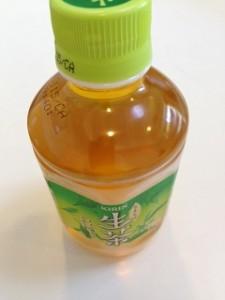 税務行政の進化を示す【ペットボトルのお茶】?